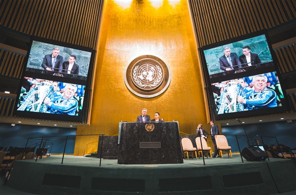 Carlo Ancelotti was UN's honor guest and protagonist of the Change World Model United Nations Forum